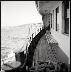 leaving • istanbul, turkey • 2012 (lem's) Tags: man turkey river leaving boat sale istanbul turquie bronica lonely bateau bosphorus homme seul fleuve partir bosphore zenza simpleviewer autaut artlibres istanbulfreephotography