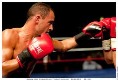 Finale de la coupe de la ligue des poids lgers  2 juin 2012 : Marvin Petit vs Sylvain Chapelle (Olivier PRIEUR) Tags: boxer boxing boxe boxeur elancourt bcsqy marvinpetit tanguyfarrugia boxingclubsaintquentinenyvelineselancourt