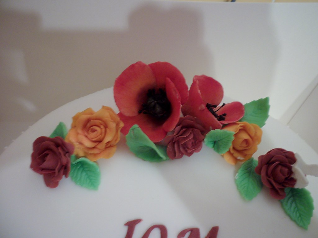 The worlds newest photos of fondant and poppy flickr hive mind poppies on wedding cake tracey6277 tags flowers red orange green rose purple poppy mightylinksfo
