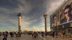 le 2 colonne (vincega) Tags: venice sky clouds italia nuvole cityscape columns cielo venezia piazzasanmarco colonne pubblicità veneto paesaggiourbano leonedisanmarco advertisingposters vincega santòdaro