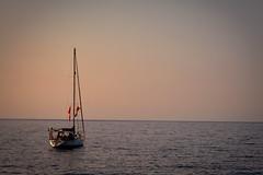 Ahoi! - Ruhe genieen. (paddy33h) Tags: abend wasser natur segeln spanien segelboot ruhe