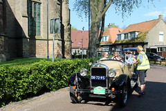 1927 Essex Super Six at checkpoint Bolsward (Davydutchy) Tags: auto trip usa classic car automobile tour ride rally may convertible super voiture american bil vehicle oldtimer frise six cabrio essex friesland roadster cabriolet bolsward 2016 klassiek fryslân pkw elfstedentocht frisia veterán tocht automobiel boalsert