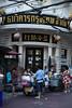 Street Yaowarat  Bangkok (Jules en Asie) Tags: world street travel people asian thailand julien asia bangkok asie streetfood nationalgeographic thailande asiatique reflectionsoflife yaowarat lovelyphotos thailandais thaï jules1405 unseenasia earthasia mailler