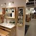 イケアの家具で作るナチュラルな洗面台の写真