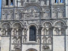 Cathédrale Saint-Pierre d'Angoulême (twiga_swala) Tags: france church saint architecture facade french cathedral francaise pierre cathédrale peter angoulême romanesque angouleme romaine romane saintpierre poitoucharentes