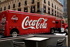 Red truck (Boye not Bowyer) Tags: chicago truck raw coke semi wheeler cocacola wabash chicagoavenue articulatedlorry