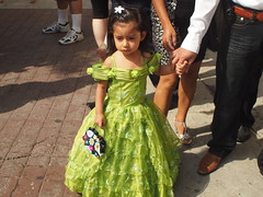 Green dress (Anika Malone) Tags: church walking losangeles tour baptism catholics bigparadela bigparadela2012