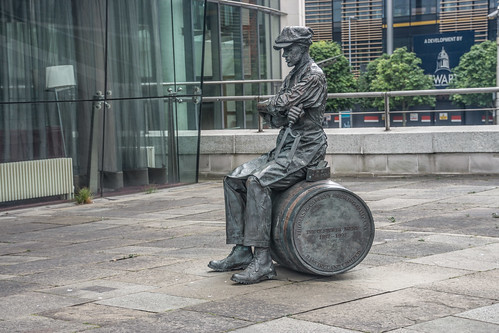 The Ulster Brewer / Barrel Man By Ross Wilson (Lanyon Place, near Waterfront Hall)