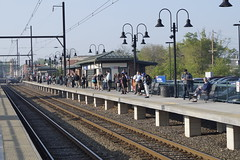 Passengers waiting for next train (Geo Gibson) Tags: station wales train north rail septa regional georgegibsonphotos