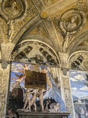 Camera degli Sposi (atrialbyfire) Tags: mantova gonzaga mantua italia italy duomo cortile yard cameradeglisposi history storia art arch architettura architect