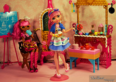 Cupid's bake shop (Carol Parvati ) Tags: doll cupid gingerbreadhouse mattel bakeshop daughteroferos everafterhigh daughterofthecandywitch