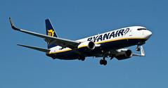 B 737-800  de Ryanair (ibzsierra) Tags: plane canon aviation air ibiza 7d boeing ryanair eivissa avion baleares aviacion b737300 digitalcameraclub