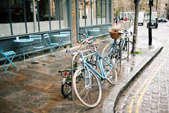 city life (Suzi Marshall) Tags: london 35mm spring cafe bikes clerkenwell d700
