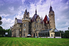 Poland Castle Moszna June 2012 (Smo_Q -listened to Heaven by E.Sande again and aga) Tags: trip beauty architecture poland polska palace polen chateau schloss zamek architektura paac moschen schlos   moszna  beautifulcastle tielewinckler