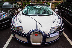 Porcelaine (Benoit cars) Tags: auto new london cars unique or arabic arab saudi arabia vehicle porcelaine lor bugatti saudiarabia blanc porcelain exclusive supercar automobiles oneoff sportscars supercars veyron streetcars luxurycars bugattiveyron worldcars lorblanc saudicars bugattiveyronorblanc bugattiveyronlorblanc arabsupercar