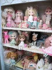 Easter Sunday Dolly Shelf....