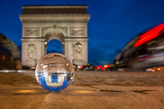 (thierry.ebener) Tags: paris night nuit arcdetriomphe crystalball glassball parislanuit bouledeverre