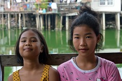 friends on a bench (the foreign photographer - ) Tags: girls two portraits bench thailand wooden nikon bangkok bang seated bua preteen khlong bangkhen d3200