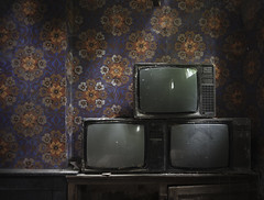 TV Night (mde..) Tags: old wallpaper dusty abandoned dark tv decay sony cobweb explore congo 1970s chateau exploration derelict ue a7r oblivionstate diffusephotographyuk