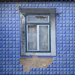 Ventana de Lisboa (John LaMotte) Tags: ventana window janela fenêtre fachada lisboa lisbon lisabon alfama portugal infinitexposure ilustrarportugal