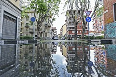Beautiful morning in Torino (Alobooom) Tags: city verde water rain alberi canon reflections torino italia cityscape 5d turin vanchiglia