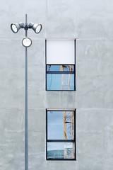 L'claireur (Nadge Gascon) Tags: windows architecture fuji reflet ville lampadaire x20 graphisme fentres