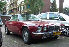 1975 Jaguar XJ4.2C Automatic (Series II) (rvandermaar) Tags: ii 1975 series jaguar xj seriesii jaguarxjc jaguarxj xj6c xjc jaguarxj42c jaguarxj6c xj42c sidecode5 xjseriesii tnds99