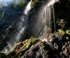 Roquefort-les-Cascades, Adière, Midi-Pyrénées (lyli12) Tags: france nature nikon eau filet cascade patrimoine ariège ruisseau midipyrénées poselongue d3000