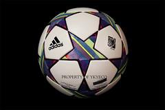 UEFA CHAMPIONS LEAGUE FINALE 11 2011-12 ADIDAS MATCH BALL 02 (ykyeco) Tags: ball football fussball top soccer ballon 11 match bola adidas finale uefa league champions pelota palla balon pallone    omb   spielball 201112