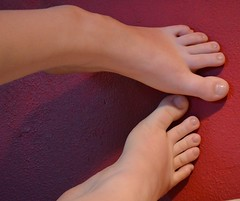 (Tellerite) Tags: feet toes barefeet pedicure beautifulfeet prettytoes sexytoes sweetfeet prettyfeet sexyfeet girlsfeet femalefeet teenfeet femaletoes candidfeet beautifultoes baretoes girlstoes sweettoes girlsbarefeet teentoes girlsbarefoot youngfemalefeet candidtoes youngfemaletoes