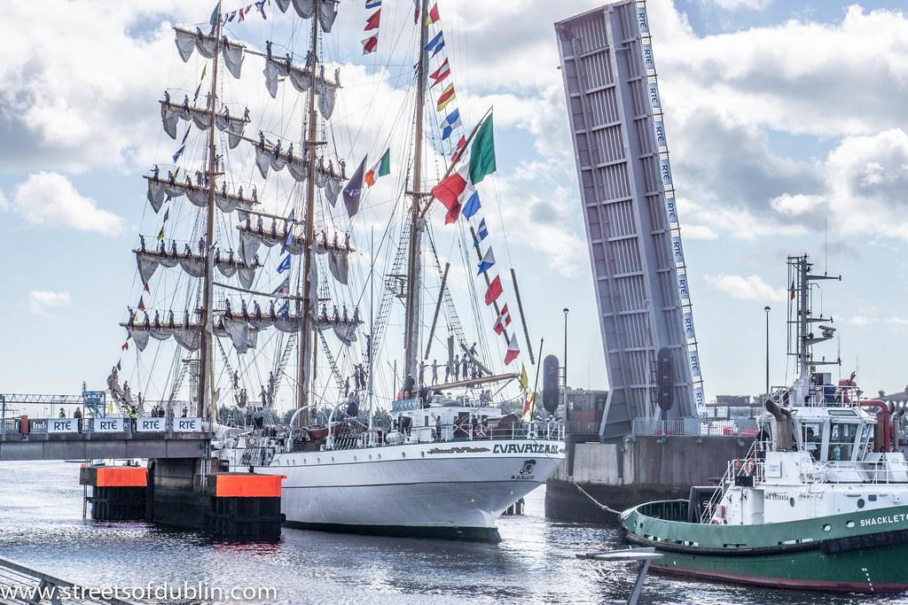 The Cuauhtémoc (Mexico) Sets Sail From Dublin - Sunday 26th. August
