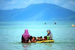 IMG_8063fr (Mangiwau) Tags: ocean vacation white beach sandy laut relaxing hijab resort recreation southeast sulawesi muna pantai activities pasir putih buton pristine recreational wisata tenggara libur kendari rekreasi pariwisata hiburan istirahat wawoni