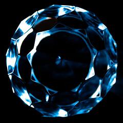 Line Symmetry (Snowykate) Tags: macro crystal nikond50 decanter stopper macromondays macromonday linesymmetry nikonafmicronikkor60mmf28