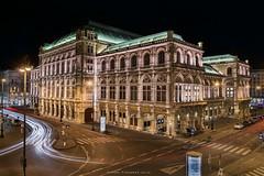 Wien Staatsoper (Antoni Figueras) Tags: vienna wien night austria opera lighttrails viena osterreich staatsoper blending cz1680 sonya77ii