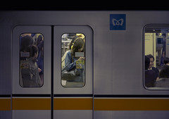 Tokyo 3979 (tokyoform) Tags: chris windows people urban public girl station japan subway japanese tokyo ginza asia metro transit tquio   japo mass  rapid japon giappone chiyodaku tokio   6d jepang japn  jongkind tkyto   chrisjongkind tokyoform