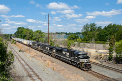 NS EMD SD70ACE #1082 @ Oxford Valley, PA (Darryl Rule's Photography) Tags: sun spring ns may ge freight westbound morrisville eastbound norfolksouthern 24k emd intermodal oxfordvalley sd70ace traintrains mixedfreight morrisvilleline 17g trentoncutoff cpjohn morrisvilleyard feasrerville