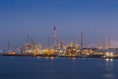 Exxon Rotterdam (Peet de Rouw) Tags: holland industry rotterdam industrial refinery hdr exxon industrynight botlek portofrotterdam raffinaderij denachtdienst canon5dmarkiii peetderouw