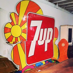 peter max designed 7up sign #psychedelic... (doodooFORyooyoo) Tags: psychedelic 7up petermax vintagethrills uploaded:by=flickstagram instagram:photo=6989688356503050243975078