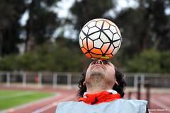 dominando (Ricardo Obando) Tags: canon estadio 75300mm sanfernando ftbol pelota equilibrio dominando acrobacia baln t5i ftbolchileno estadiojorgesilvavalenzuela