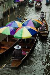 Cat & Mouse (Swebbatron) Tags: travel canon thailand asia southeastasia market bangkok adventure floatingmarket damnoensaduak 2015 damnoensaduakfloatingmarket radlab 1100d gettotallyrad
