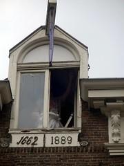 Old Window Pane (Quetzalcoatl002) Tags: old detail window amsterdam work maintenance historical nieuwmarkt 1889 1662