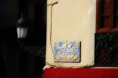 Valencia (Pachibro Portfolio) Tags: valencia canon eos spain streetlight streetlamp valenza spagna lampione 50d maioliche canoneos50d scattifotografici pasqualinobrodella pachibroportfolio pachibro