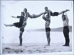 Anglų lietuvių žodynas. Žodis acrobatics reiškia n akrobatika lietuviškai.