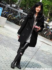 3399936243688353816 () Tags: girl rain asian japanese boots chinese korean wellington hunter welly wellies gummistiefel botas golashes