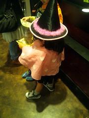 ハロウィンの仮装をした子供達の写真