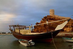 A Dhow (   ,   traditional boat) in Sur, Oman (Frans.Sellies) Tags: sur oman dhow img2872