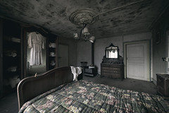 white linen (Kriegaffe 9) Tags: wood old bed bedroom dress linen
