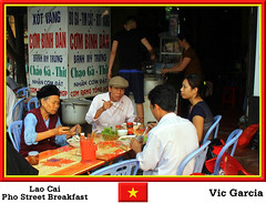 Lao Cai Pho Street Breakfast (vicbrasil) Tags: people vietnam hanoi pho sapa laocai hilltribe cuong hoalu northeastregion streetbreakfast northwestregion redriverdeltaregion