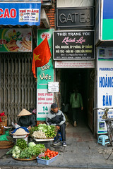 Alleys in old city, Hanoi, Vietnam (inchiki tour) Tags: road street photo alley asia southeastasia vietnam hanoi passage oldcity      hni