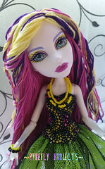 Spectra (Pyrefly Projects) Tags: sports thread monster high doll embroidery projects spectra custom ghoul reroot rehair pyrefly kizrianah